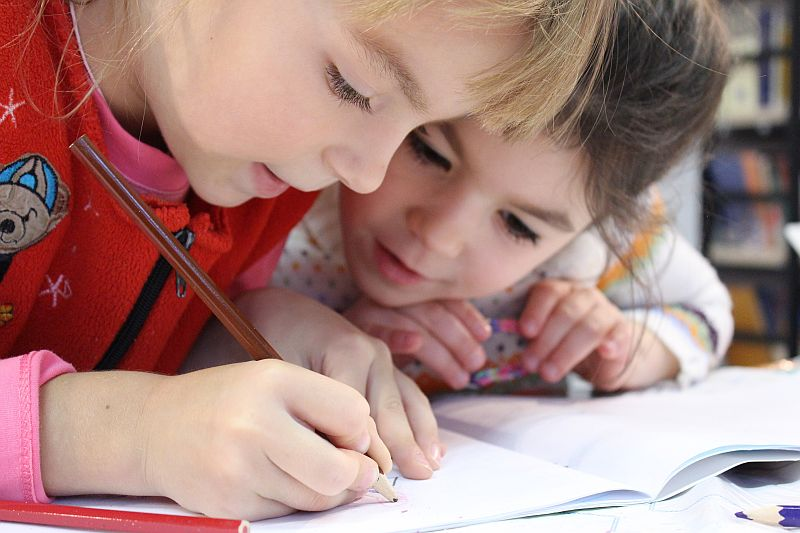 Propozycja Programu Całościowej Zintegrowanej Aktywności Dzieci dla dzieci jąkających się i ich rodzin – badanie pilotażowe