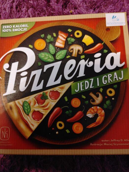 """Recenzja: """"Pizzeria. Jedz i graj"""""""